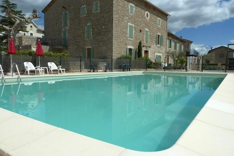Bastide Des Lavandières  - Apartment Olive (Sleeps 11), holiday rental in Lezan