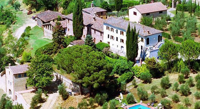 Gorgeous 4 bedrooms villa near Siena (3 km away), Tuscany boasts. Private pool!, Ferienwohnung in Colombaio