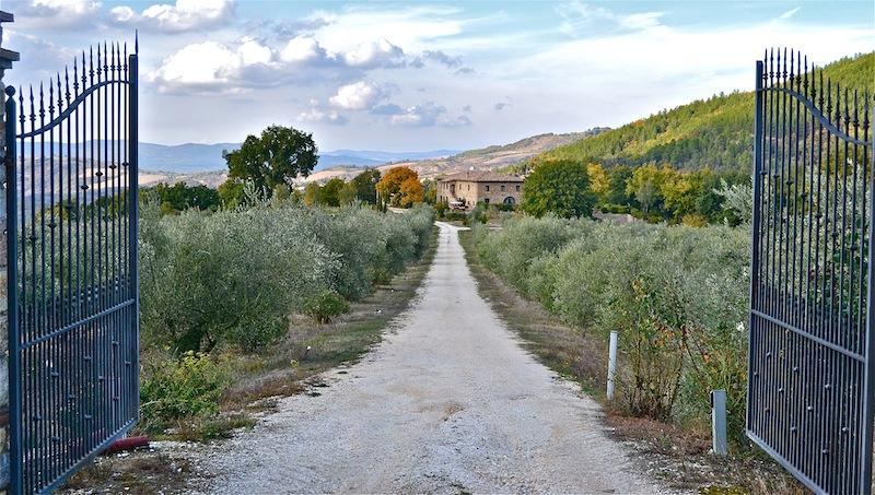 the private road to the Villa