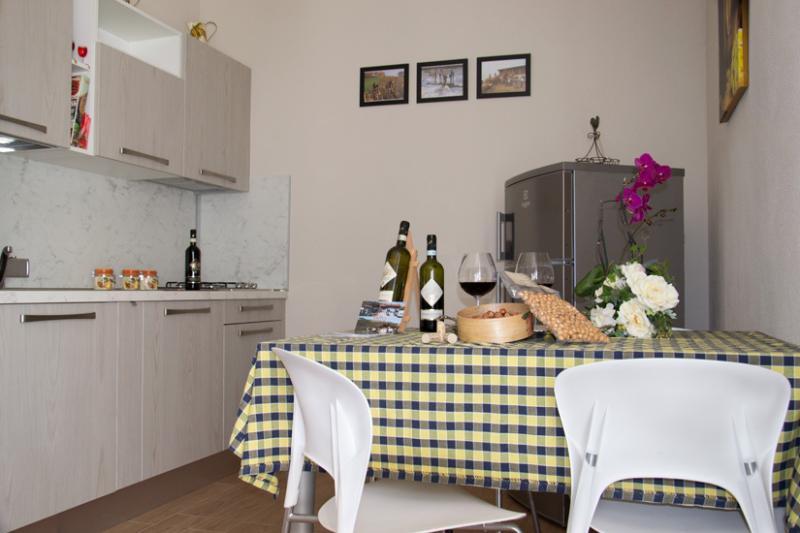 CANTINA MONPISSAN APPARTAMENTI VACANZA, vacation rental in Montaldo Roero
