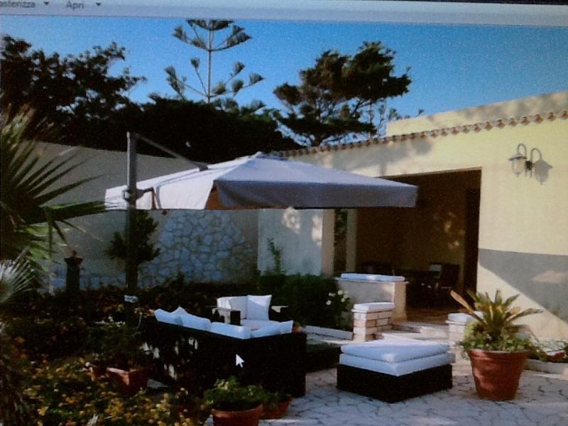 SPENDIDA CASA IN RIVA AL MARE, vacation rental in Tonnara di Bonagia