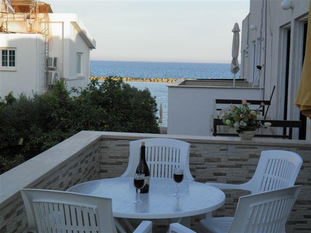 2 Bdrm Beach Apt Side Sea View Oroklini - Larnaca, holiday rental in Larnaca