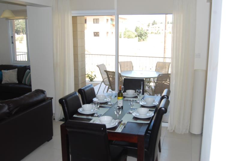 Eat in style in 6 seater dining area, plus highchair