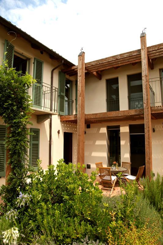 Herb Garden & Shady Terrace