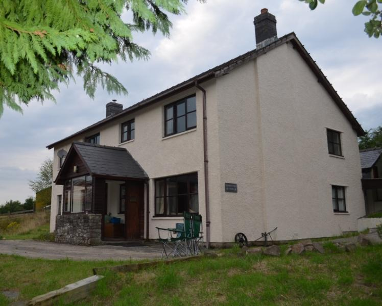Carregywen Farmhouse (Peace & tranquillity in the heart of Wales), vacation rental in Llanwrtyd Wells
