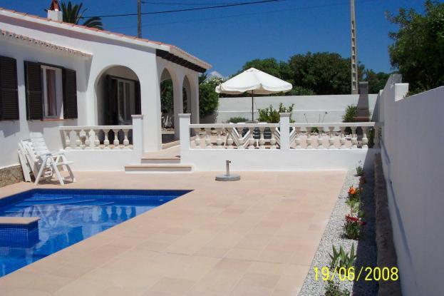 Villa Arran and pool