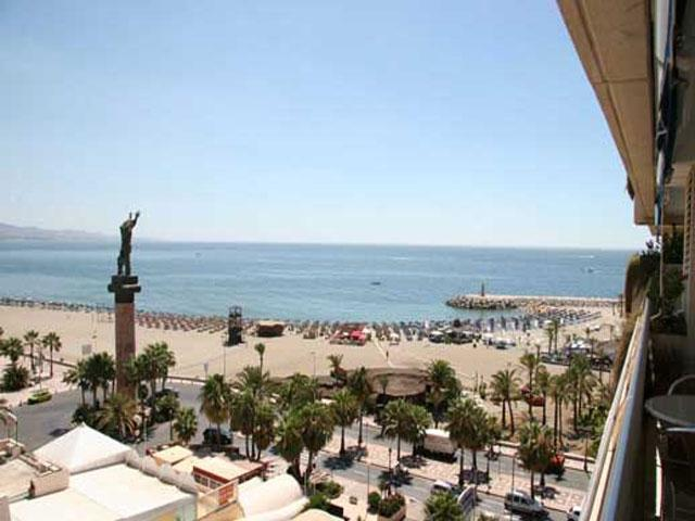 Marina Banus - Frontline Beach Penthouse Apartment, holiday rental in Marbella