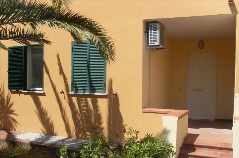 Apartment 212c front entrance