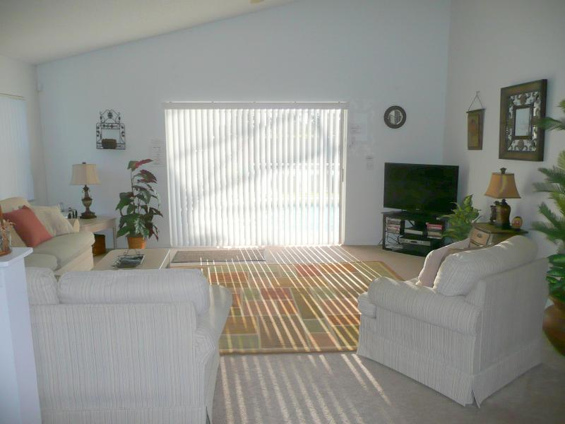 Spacious & Comfortable Family Room