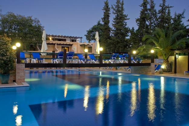 The magical swimming pool at night