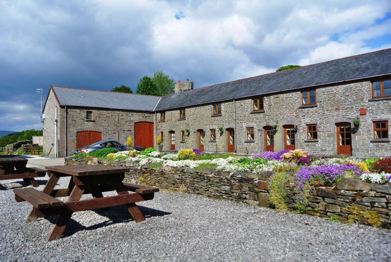 Cilhendre Fawr Farm Cottages, location de vacances à Neath