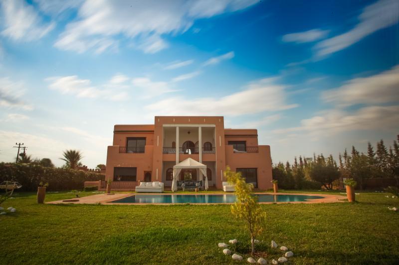 Beutifull Villa in Marrakech, holiday rental in Lagouassem