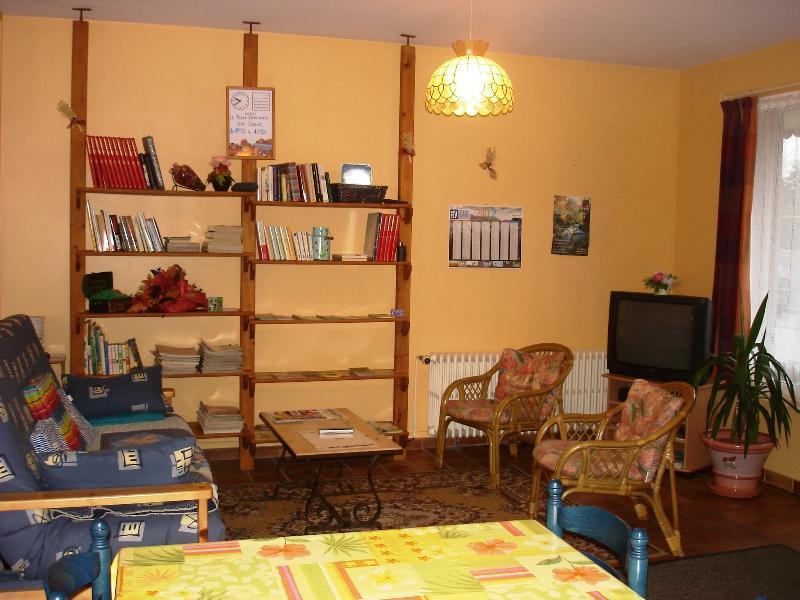 LE CROISTY BRETAGNE -  3 Chambres Hôtes A LOUER soit 1 ou 2 ou les 3, vacation rental in Guilligomarc'h