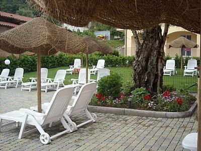 Mezzegra Villa Sleeps 8 with Pool and WiFi - 5228674, Ferienwohnung in Ossuccio