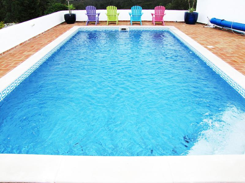 Year round swimming!  Pool heated to 23C for free during cooler months - Euro150 pw to boost to 28C.