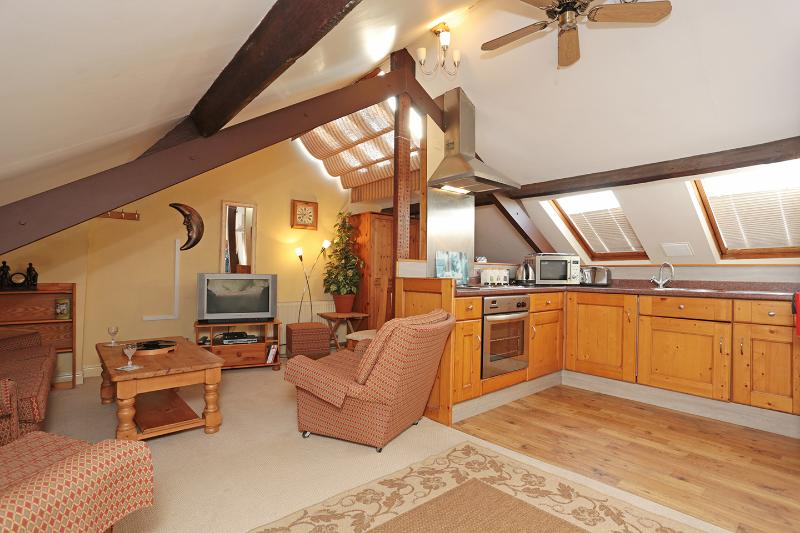 Dukes Lodge - The Attic Studio, vacation rental in York