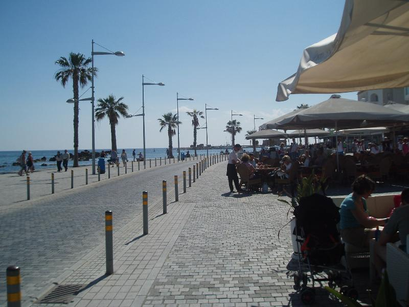 Paphos seafront bars, shops and restaurants