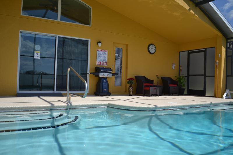 nuotare nella tua piscina privata