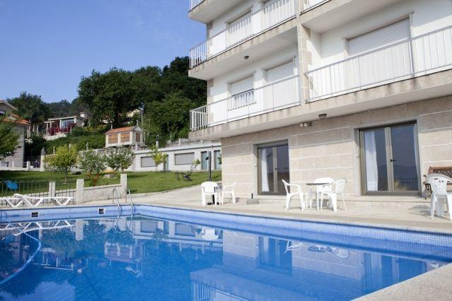 Apartamentos Canada, a 4km de Sanxenxo, holiday rental in Adina