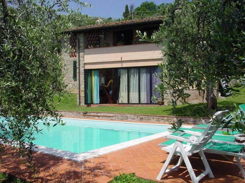 Villa swimming pool in lucca has central heating and - Hotels in lucca italy with swimming pool ...