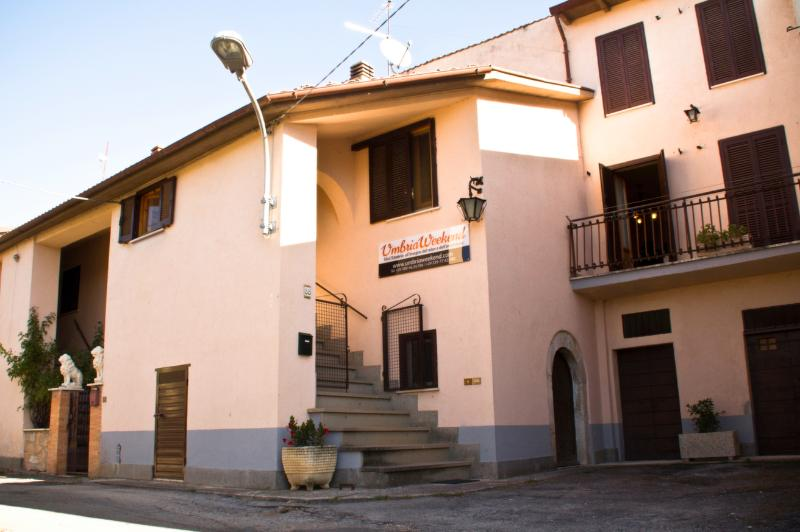 Umbria Weekend - apartment house in Cascia Norcia, holiday rental in Accumoli