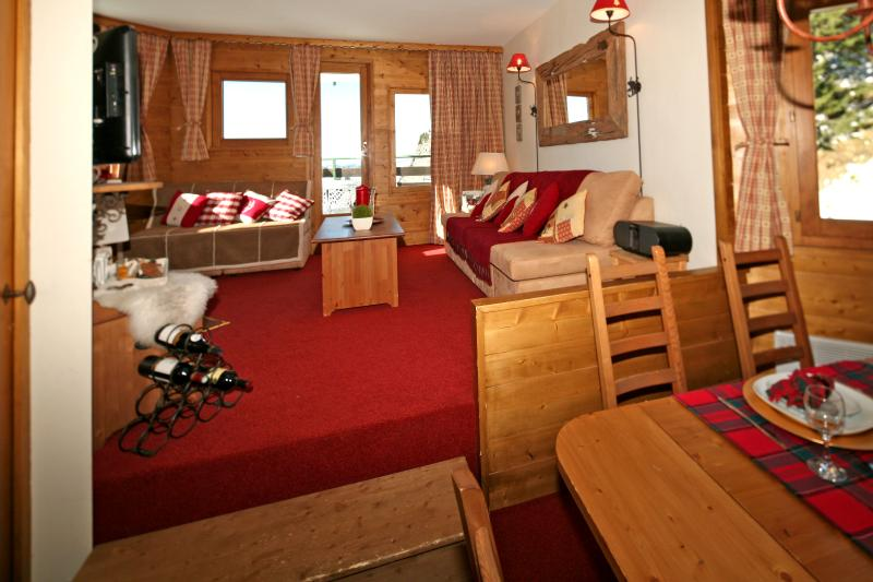 Avoriaz Chalets-Choucas - 4 star unusually large, refurbished apartment, vacation rental in Morzine