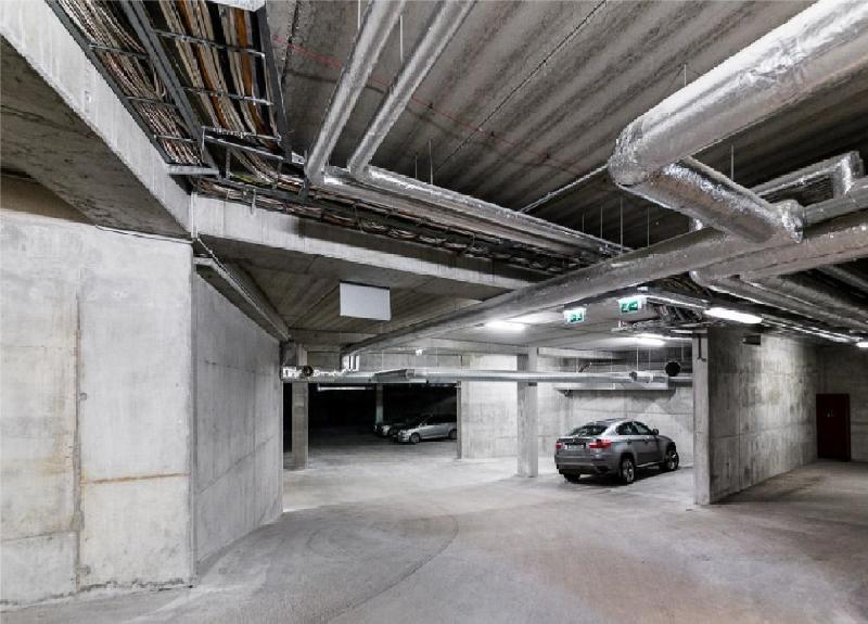 Parking place for 1 car