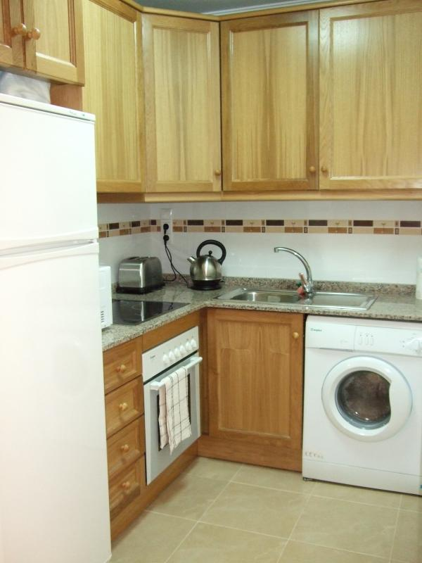 Well equiped fully fitted kitchen