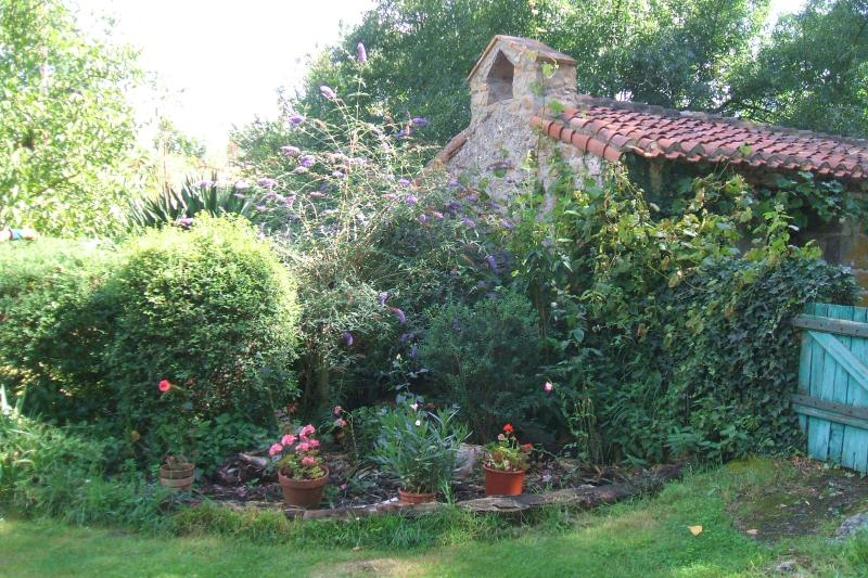 The Millers House 15C Riverside Mill House, vacation rental in La Chapelle-Gaudin