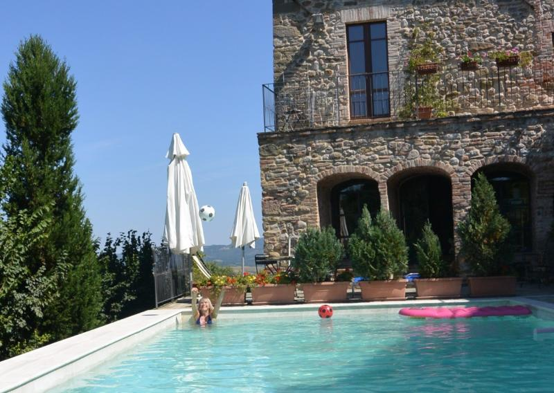 il Forno guests enjoys the pool.