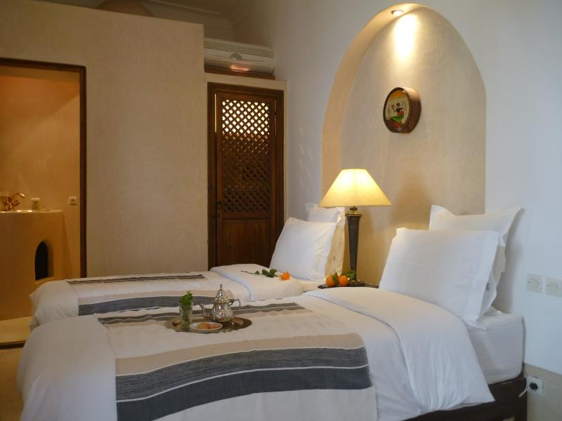 Marrakech Riad La Douiria twin beds