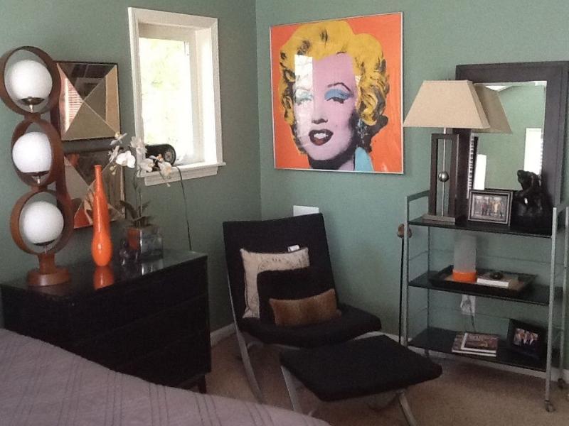More art in the bedroom