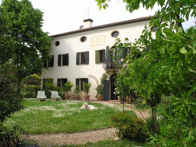 Villa Emy - XVIII century house in the interland of Venice, casa vacanza a Noventa Padovana