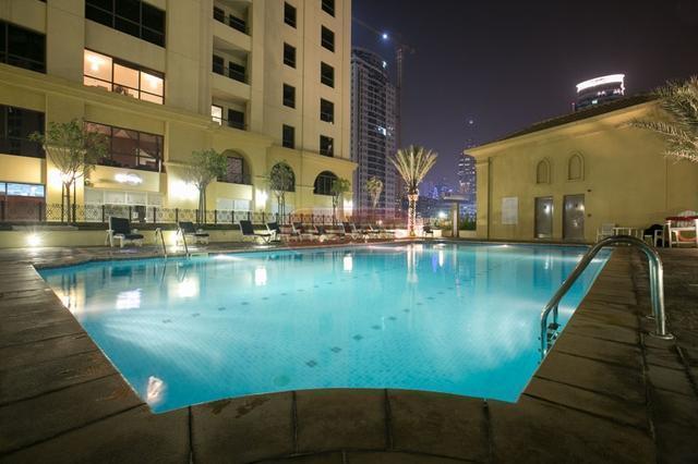 Swimming Pool (1)