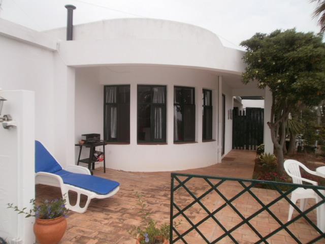 Nice cottage in a rural property in the Algarve 1, holiday rental in Almadena