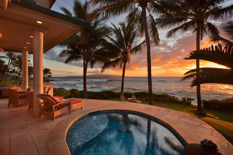 Ocean Bliss Beachfront Home, holiday rental in Kihei