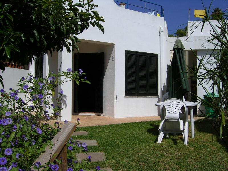 Beautiful and cosy studio in rural property, studio 2, holiday rental in Almadena