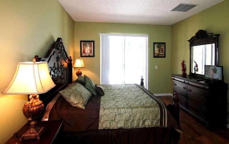 Koning slaapkamer 1 (eerste verdieping)