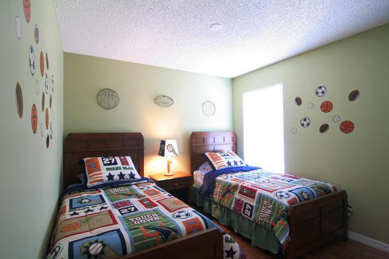 Slaapkamer met twee eenpersoonsbedden 3