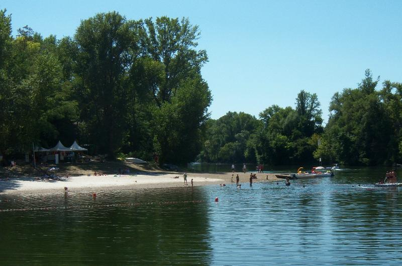 The local river beach at  Castelmoron 10K from Coulx. Enjoy a swim or hire a boat to explore the Lot