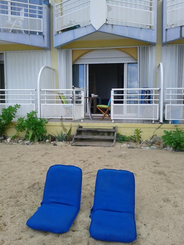 longue route pour aller à la plage...privée  !!!!