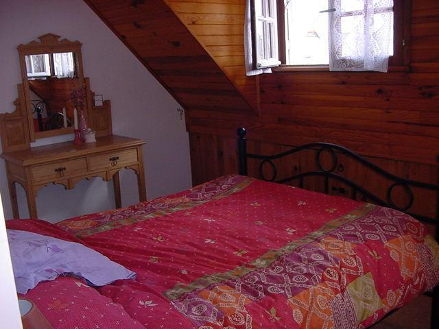 Slaapkamer 1 foto's van alle kamers beschikbaar