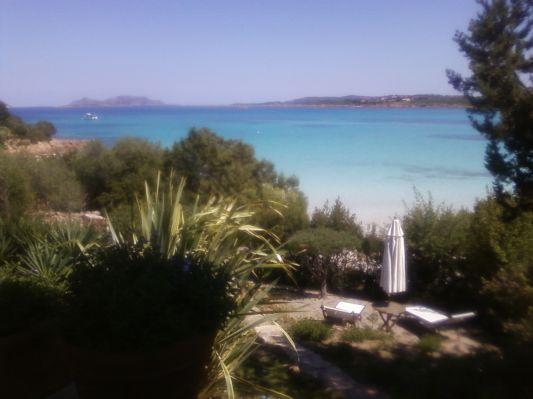 giardino privato e ingresso alla spiaggia