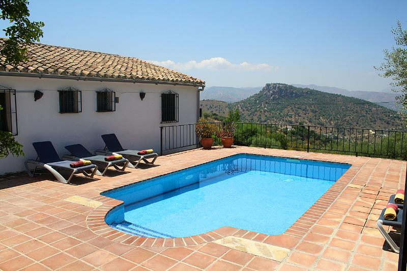 Casa Peña Hierro with private pool and view of the spectacular mountain Peña Hierro