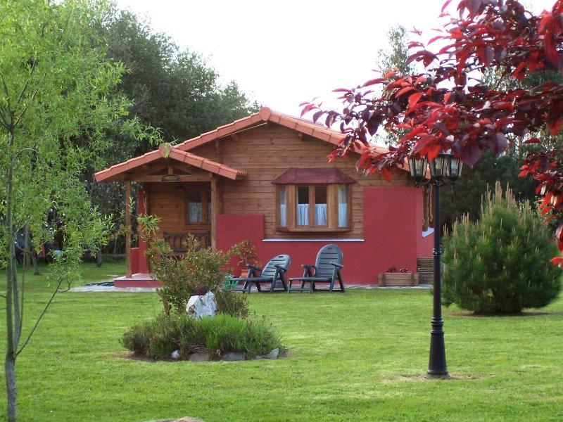 Apartamentos EL CUETO (Cabaña), holiday rental in Cadavedo