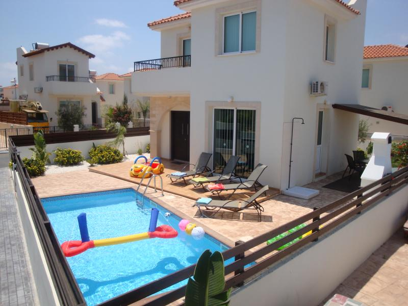 Villa Ennazus, holiday rental in Protaras