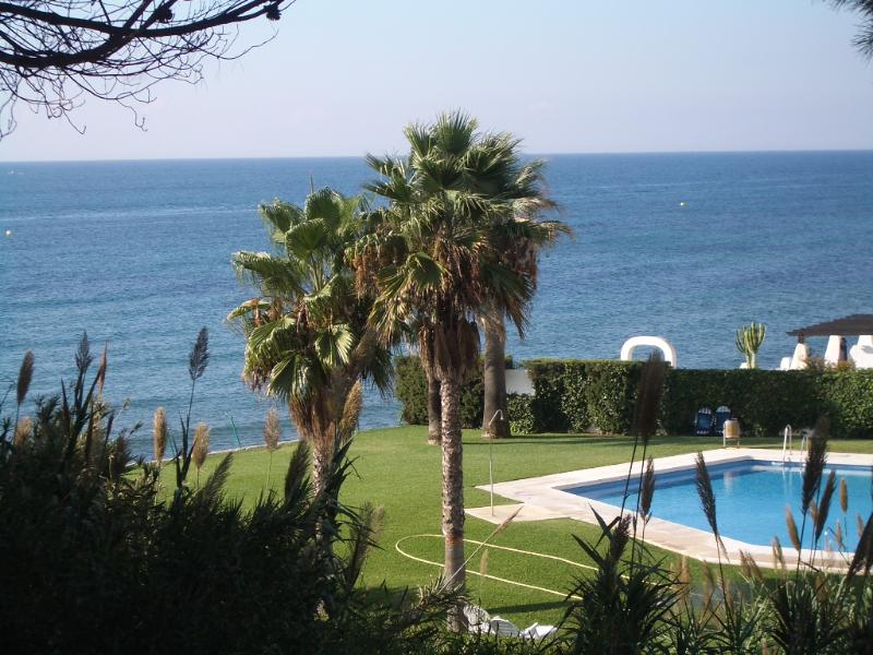 FREE WiFi - Stunning Sea Views, vacation rental in Sitio de Calahonda