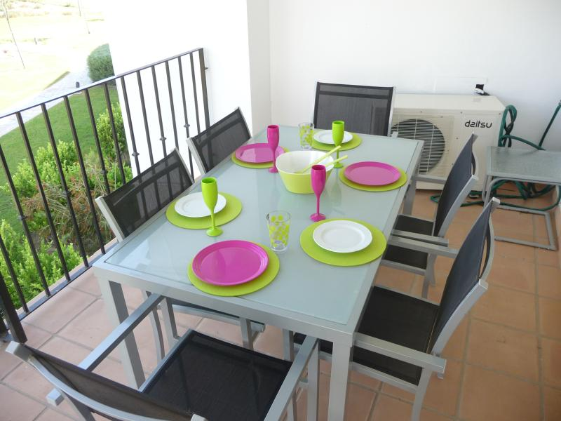 Table seating 6