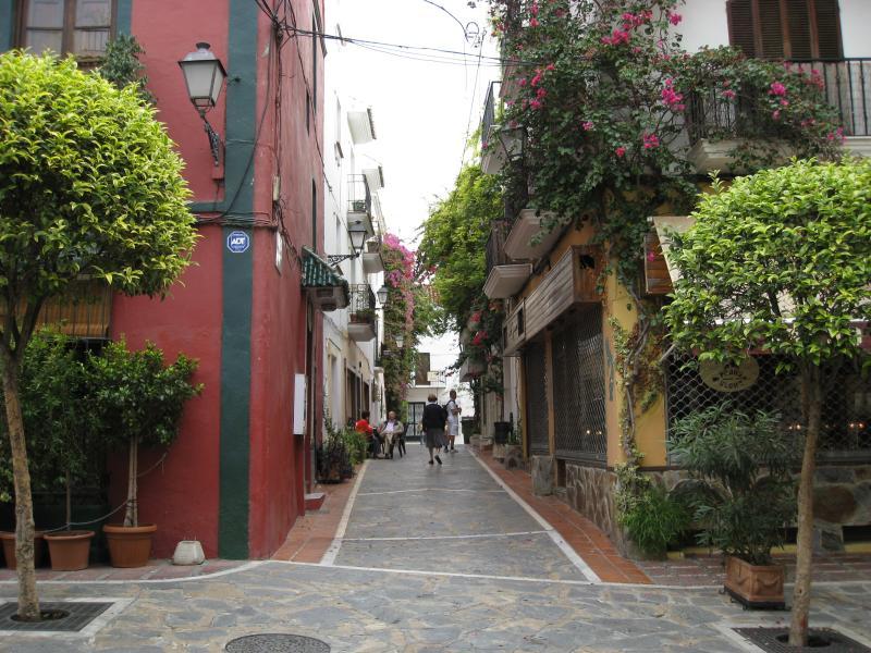Marbella Town leading to Orange Square