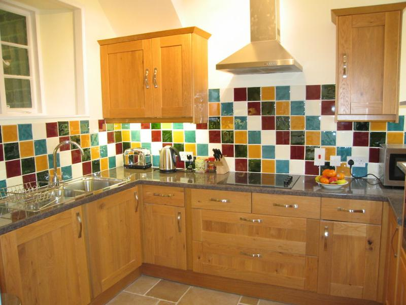 Groom's Cottage has a fully fitted kitchen